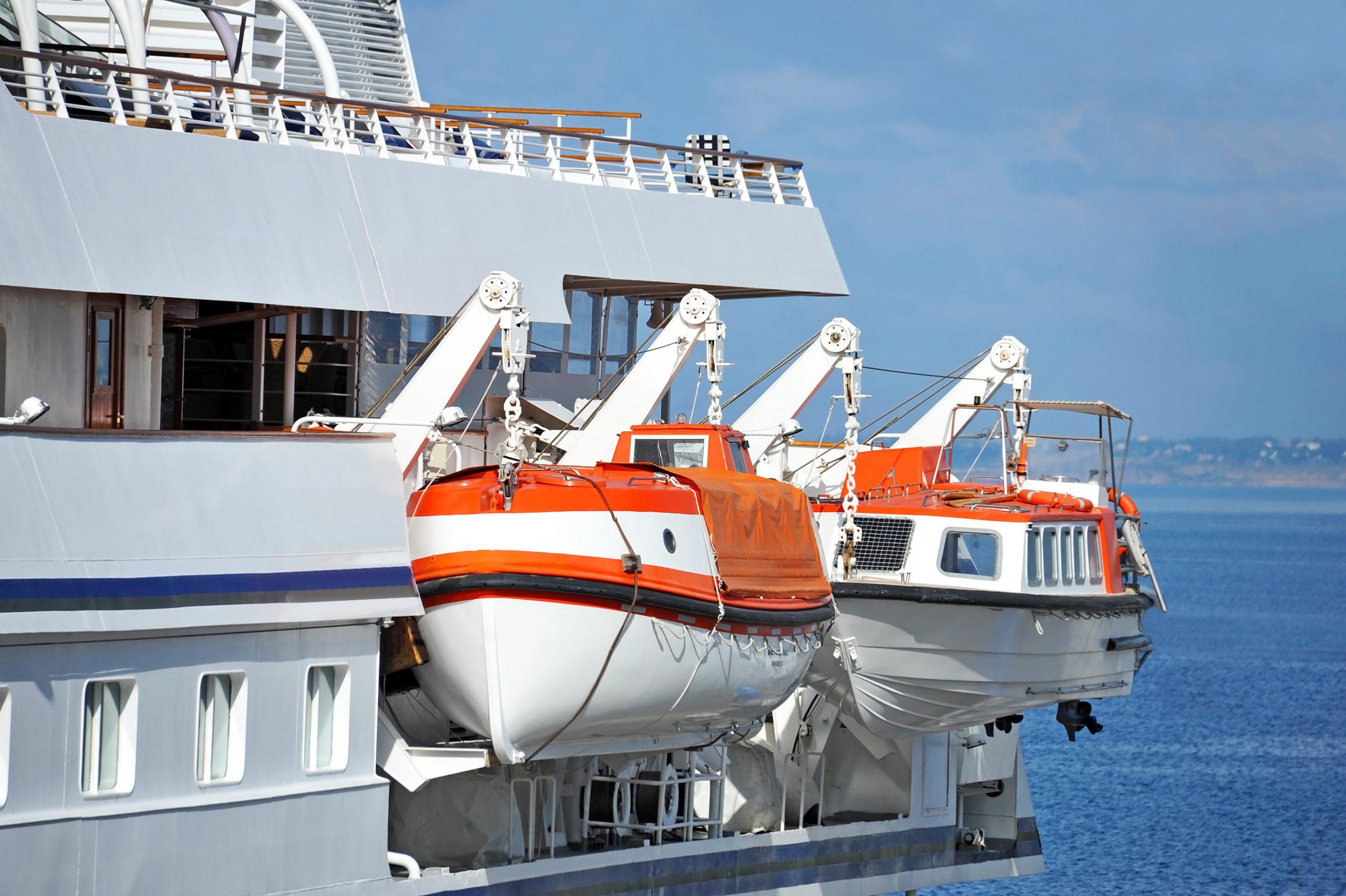 Alat Keselamatan Kerja di Kapal Laut