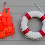 Pekerja Wajib Ketahui Tentang Alat Keselamatan Kerja di Lautan