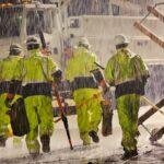 Tips Menjaga Keselamatan Kerja dan Produktivitas Saat Musim Hujan